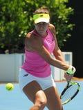 Rumuński gracz w tenisa Sorana Cirstea narządzanie dla australianu open przy Kooyong Klasycznym Powystawowym turniejem Obraz Stock