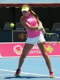 Rumuński gracz w tenisa Sorana Cirstea narządzanie dla australianu open przy Kooyong klasykiem Zdjęcia Stock