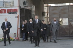 Rumuński prezydent odwiedza rannego Bucharest Colectiv klubu nocnego ogień Fotografia Royalty Free