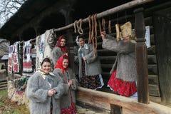 Rumuński zima festiwal w Maramures obrazy royalty free