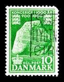 Run- sten på Jelling, kungarikeDanmark serie, circa 1953 Royaltyfri Fotografi
