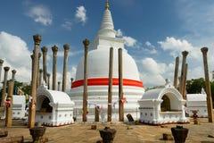 Ruína de Anuradhapura, dagoba de Thuparamaya, Sri Lanka Foto de Stock Royalty Free