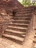 Runan av det thailändska forntida stentrappamomentet Arkivfoto