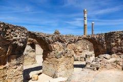 Ruínas antigas de Roman Empire de Carthage dentro perto do mar Imagem de Stock