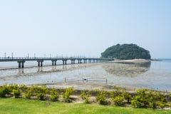 Rund ö och bro Royaltyfri Foto