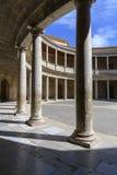 Rund borggård av slotten av Charles V La Alhambra royaltyfri fotografi