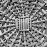 Rund botten av korgflätverket Arkivfoto