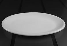 Rund grund maträtt för porslin Royaltyfri Fotografi