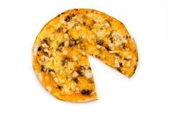 rund isolerad pizza Arkivbild