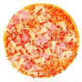 rund ny isolerad pizza Fotografering för Bildbyråer