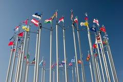 runda flaggor Arkivfoton
