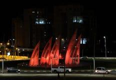 Runda tvärgator i nattstad av Ashdod Arkivbilder