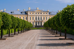 Rundale palace park alley Royalty Free Stock Photos