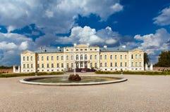 Rundale Palast in Lettland stockfotos