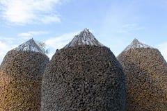 Runde geformte Woodpiles Lizenzfreie Stockfotos