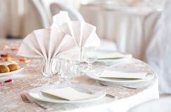 Runder Abendtisch der eleganten Hochzeit Stockbild