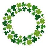 Runder Rahmen mit grünem Klee für St Patrick Tag Vektor lizenzfreie abbildung
