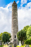 Runder Turm in Glendalough, Irland stockfotos