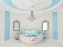 Rundes Bett im barocken Innenraum Stockfotos