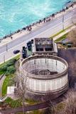 Rundes Gebäude Niagara Falls bürgersteig lizenzfreies stockbild