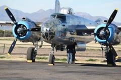 Rundes Maschinenbomberdoppelflugzeug Stockbilder