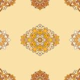 Rundes Muster der indischen Mandala auf weißem Hintergrund Lizenzfreies Stockfoto