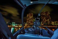 Rundflug-Honolulu-Nacht lizenzfreie stockfotos