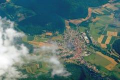 Rundreise Thailand - landning på Frankfurt - f.m. - strömförsörjning som ser landskap Royaltyfri Bild