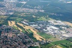 Rundreise Thailand - landning på Frankfurt - f.m. - strömförsörjning som ser landskap Arkivbild
