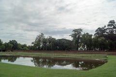 RundresaThailand juli 2017 - Sukhothai - historia parkerar Arkivfoto