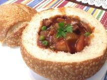 Rundvlees Stew In Bread Bowl Stock Afbeelding