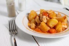 Rundvleeshutspot met aardappels Stock Afbeelding