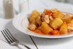 Rundvleeshutspot met aardappels Royalty-vrije Stock Afbeeldingen