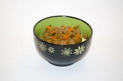 Rundvleeshutspot met wortelen royalty-vrije stock afbeelding