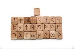 Rune di legno antiche, vecchia magia dello slavo, futark Immagini Stock
