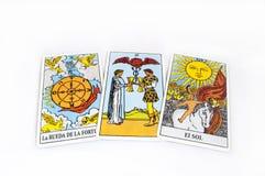 Runen en tarotkaarten Stock Foto's