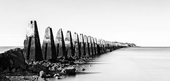 Ruïnes van het Tweede Wereldoorlog overzeese vestingwerk in Crammond dichtbij Stock Fotografie
