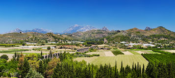 Ruïnes van oud Roman aquaduct in Aspendos, Turkije Stock Foto