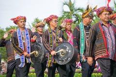 Rungus folkgrupp av Borneo under den Malaysia självständighetsdagen Arkivbilder