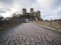 Runkel, bro och slott, regionflod Lahn, Hessen, Tyskland Fotografering för Bildbyråer