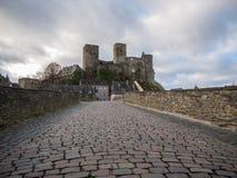 Runkel, ponte e castelo, rio Lahn da região, Hessen, Alemanha Fotos de Stock