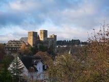 Runkel, Stad en Kasteel, de Rivier Lahn, Hessen, Duitsland van het Gebied Stock Afbeelding