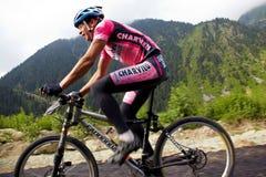 runnig för cykelcompetitonberg Royaltyfri Fotografi