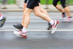 Running in city marathon Royalty Free Stock Photos
