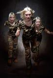 running kvinnor för militär Royaltyfri Foto