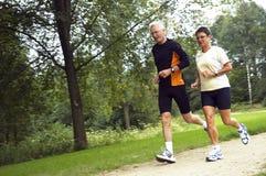 running pensionär för par Royaltyfria Bilder