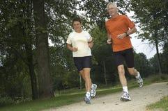 running pensionärer Arkivfoton