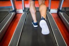 running treadmill för man Royaltyfri Foto