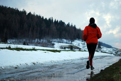 running vinter royaltyfri foto