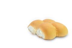 Runt bröd på vit bakgrund arkivbilder